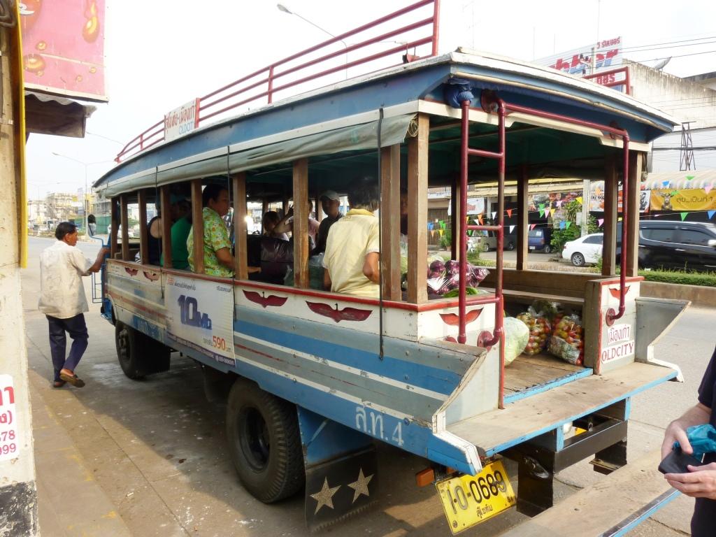 Bus to Old Sukhothai