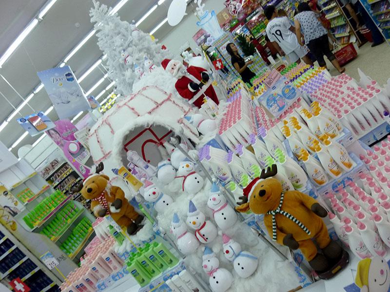 Shopping detour ;) Christmas comes to Lamphun
