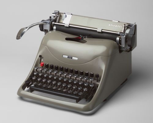 http://zwingliusredivivus.files.wordpress.com/2012/12/manual-typewriter.jpg