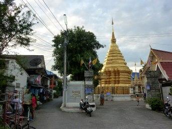 @Wat Si Chompoo