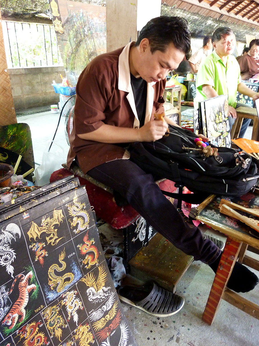 Starting at 100 baht you can have all sorts of tattoos painted on your bag, phone, etc.