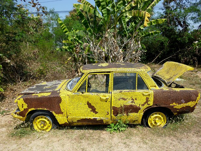 """I'm sure there is a story behind this """"artistic"""" car."""
