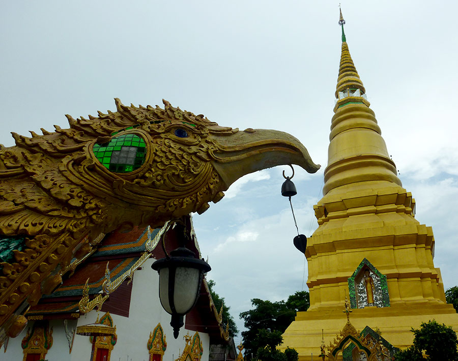Wat Chetuphon in Chiang Rai – Life, the Universe and Lani