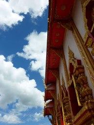 Looking up at Wat Mung Muang.
