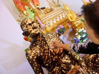 gold-leaf-monk thailand