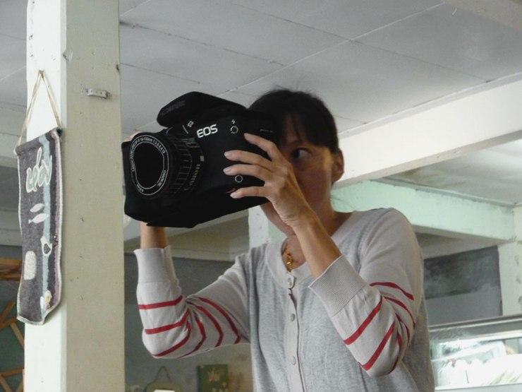 Me have big camera.