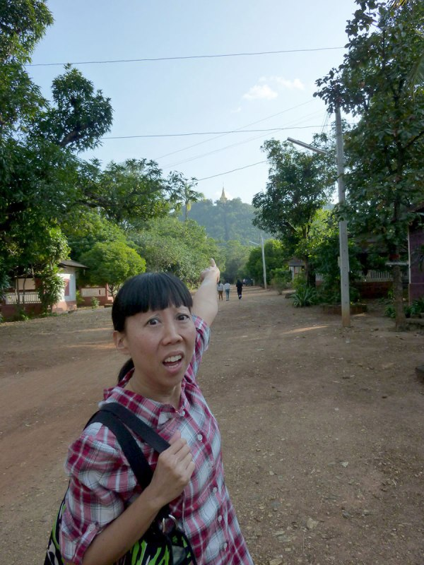 I think it's this way, guys! [Phrathat Chedi Si Khruba, outside of Lamphun, 2013]
