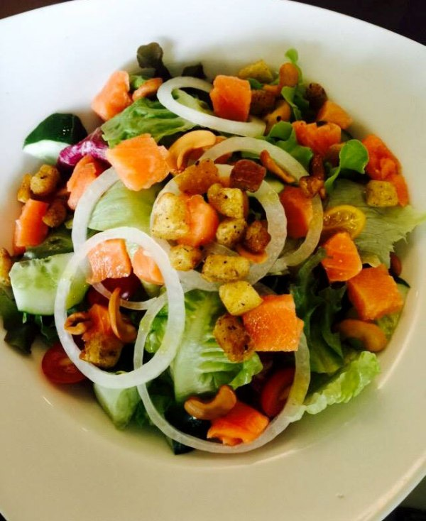 Salmon salad at BaanChonsuwana