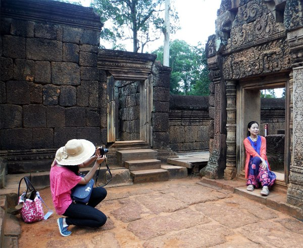 At Banteay Srey, pretty in pink.