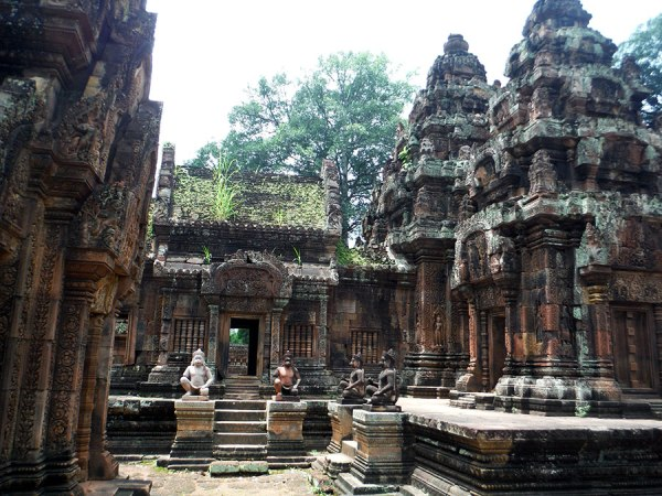 Incidently, Banteay Srey is where I took a lot of those pictures of people taking selfies.