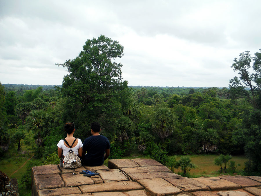 Angkor Wat couple-at-pre-rup