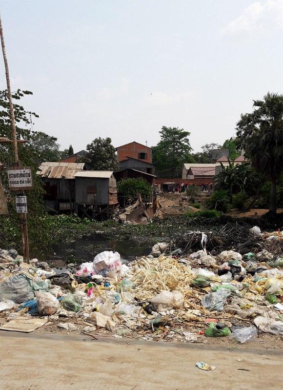 dirty-phnom-penh