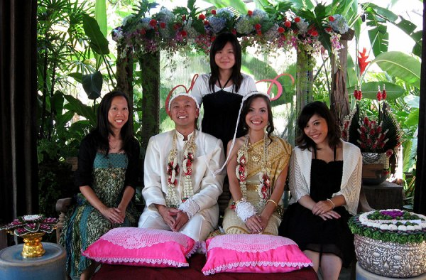 Back in 2009 when I first started this crazy expat journey, I met Pat and Yui (and attended their wedding). [Chiang Mai]