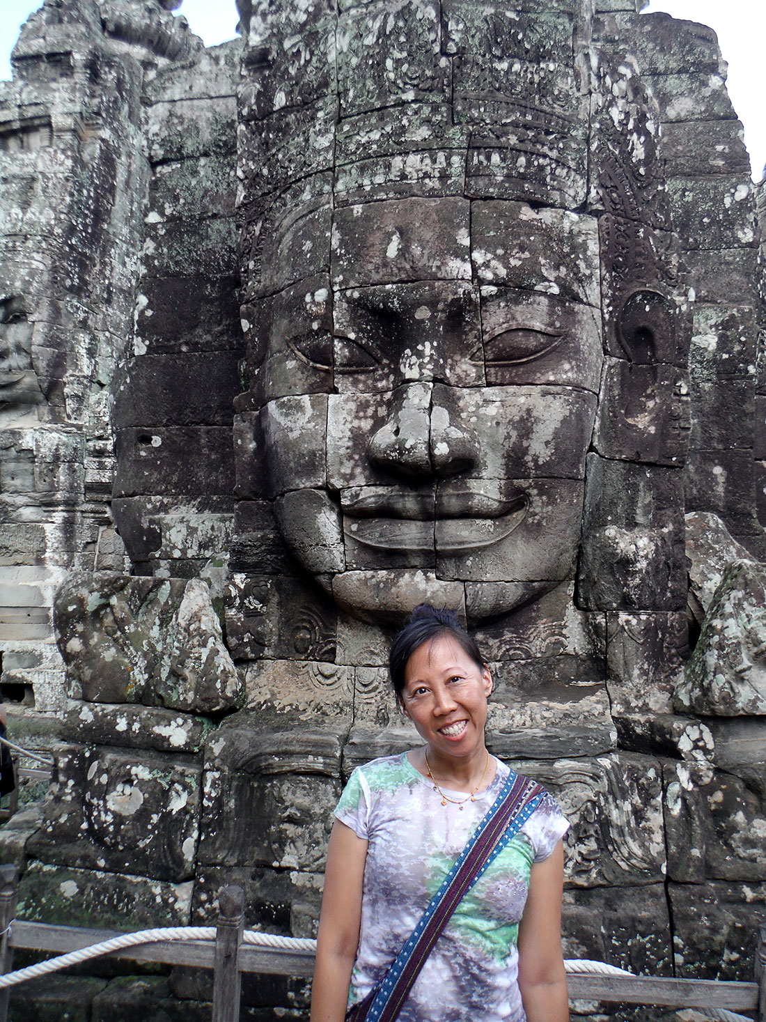 Angkor Wat Bayon head