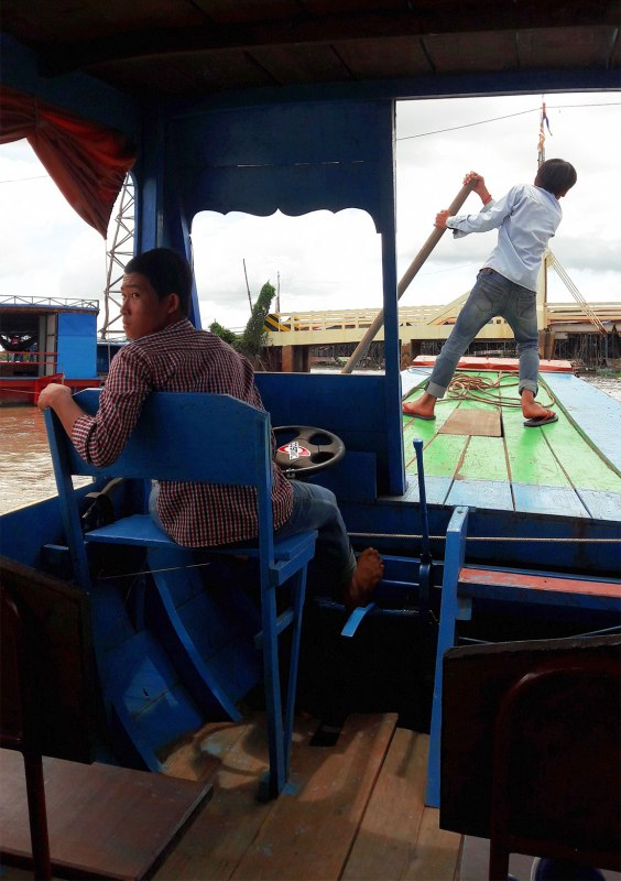 Kampong-Khleang-boat-drivers