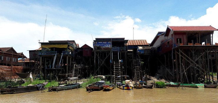 Tonle-Sap-stilt-houses-and-stairs