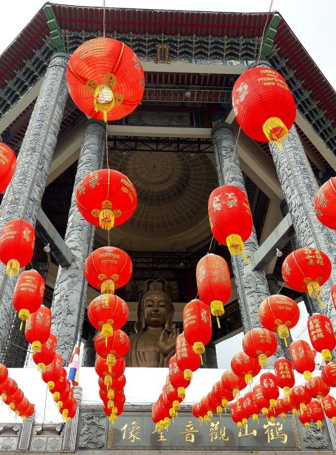 kuan-yin-statue-at-kek-lok-si