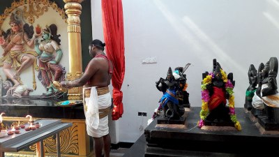 sri-maha-mariamman-temple-keeper