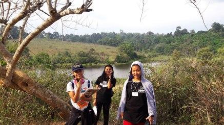 three-girls-at-grasslands